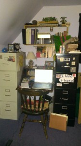 Desk decluttering project, phase 3. A usable space!